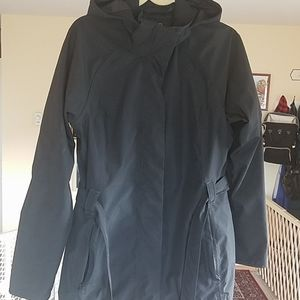 North Face black belted rain jacket L LIKE NEW
